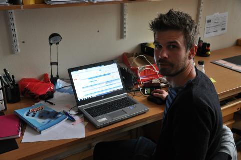 Christer avslutar arbetsveckan med att förbereda nästa.