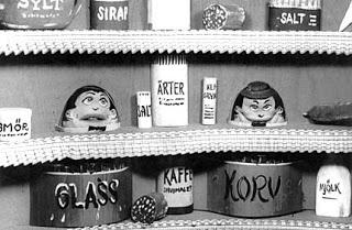Humle och Dumle var ett av Sveriges Televisions första barnprogram och sändes första gången 1958.