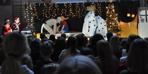 Minsann om inte Pippi Långstrump var med i julshowen.