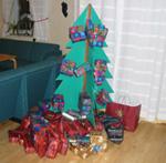 Vara med i tidningen är nästan lika roligt som att få julklappar, tycker artikelförfattaren Sara Dahlstedt.