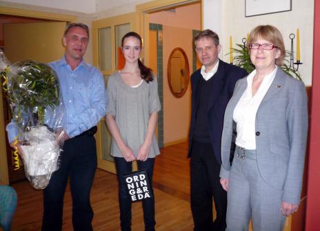 f.v: Trädet, Jonas, Linnea, Mats & Margareta.