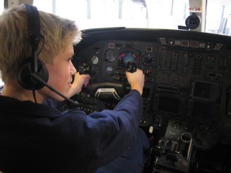 Fredrik, ursäkta Martin är det ju, bakom spakarna i en Cessna.