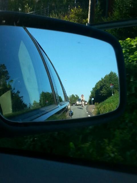 Magnus gillar att cykla till jobbet och vi på Strandaren fick syn på honom i backspegeln fredag 5 september.