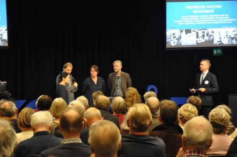 Paneldebatt med Tove Lifvendahl (SvD), Anders Lindberg (Aftonbladet), Monica Saarinen (Ekots lördagsintervju) samt Tomas Ramberg (inrikespolitisk kommentator Ekot).
