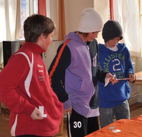 Oliver. Ludvig och Vincent presenterar antika olympiska spel.