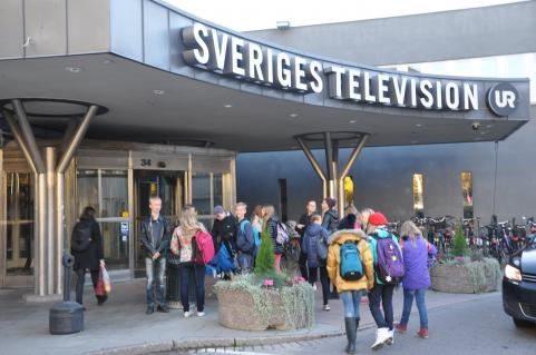 Framme vid entrén till SVT.