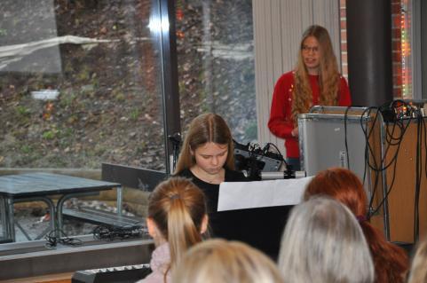 Emma Eriksson Wadman bjuder publiken på en högklassig musikupplevelse.